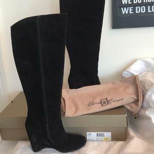 Born Crown Olana black suede wedge heel boot sz 9